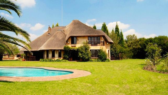 by Belvedere Estate Luxury Guest Lodge | LekkeSlaap