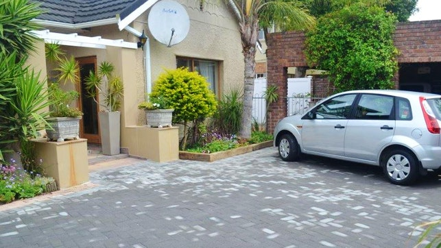 at Ascot Place | TravelGround