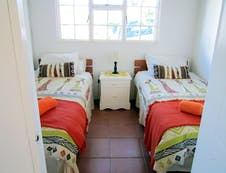 CottageTwin bedroom