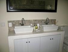 Twin basins - luxury room