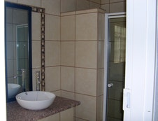 Bathrooms rooms 1-6
