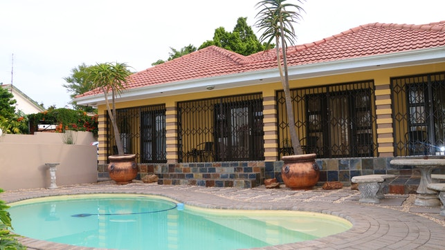 by Mi Casa Guest House   LekkeSlaap