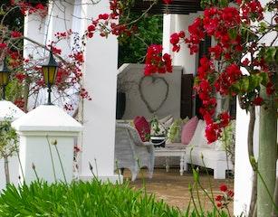 Lairds front terrace