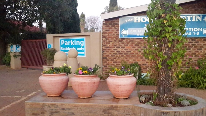 Wilkoppies Accommodation at Housemartin Guest House | TravelGround