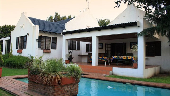 at Arnheim Lodge | TravelGround