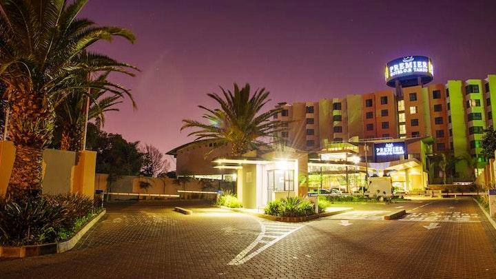 by Premier Hotel O.R. Tambo | LekkeSlaap