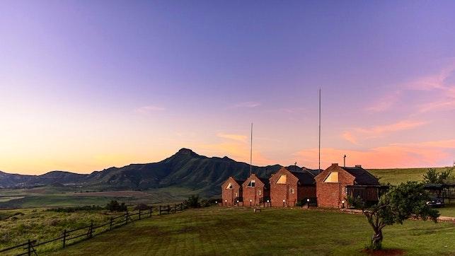 at De Ark Mountain Lodge | TravelGround