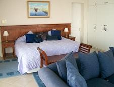 Riesling Main Bedroom