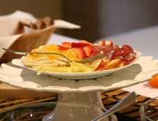 Full English & Continental Breakfast Daily