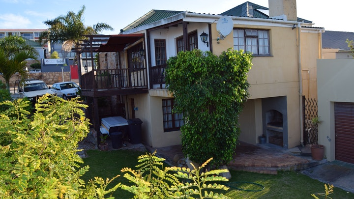 Mossel Bay Central Accommodation at Hoog 109 High | TravelGround