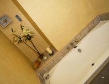 Bathroom for Garden Room 3