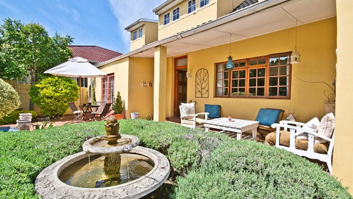 Richmond Hill Accommodation at Zareba B and B Guesthouse | TravelGround