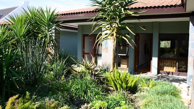 by Garden View Cottage | LekkeSlaap