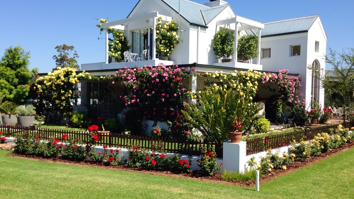 Robertson Accommodation at On the 18th   TravelGround