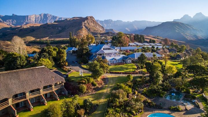 Drakensberge Akkommodasie by Cathedral Peak Hotel | LekkeSlaap