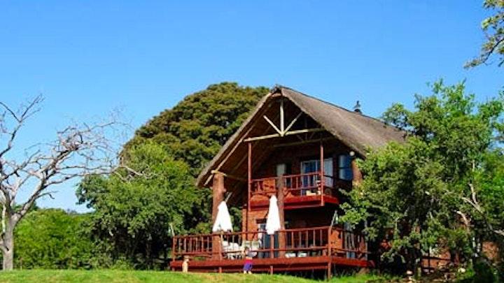 Mooinooi Accommodation at Mamagalie Lodge | TravelGround