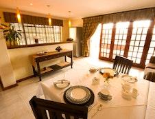 Dining Room & Bar