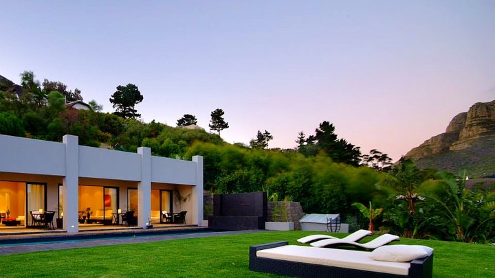 by The Platinum Boutique Hotel | LekkeSlaap