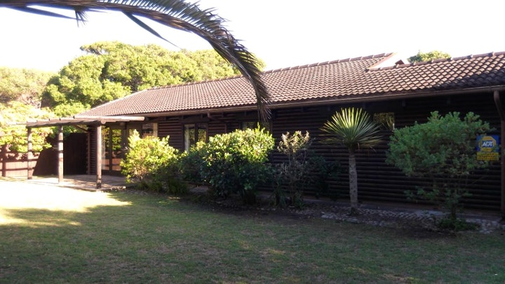 Nature's Valley Accommodation at Natures Valley Beach House | TravelGround