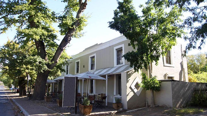 Greyton Akkommodasie by The Old Potter's Inn and Brewhouse | LekkeSlaap