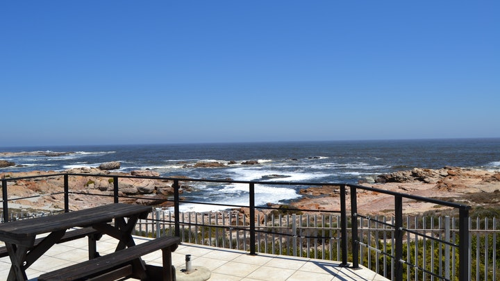 Lamberts Bay Accommodation at Aan't See House and Apartment | TravelGround