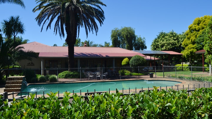 Piet Retief Akkommodasie by Palm Inn Guest House | LekkeSlaap