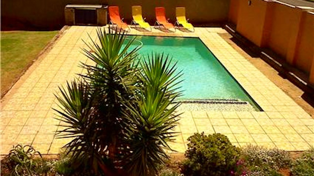 by Sunset West Self-Catering Accommodation | LekkeSlaap