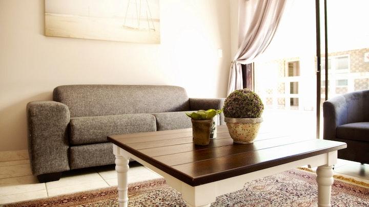 Piet Retief Akkommodasie by 12 On Top Guesthouse | LekkeSlaap