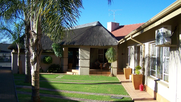 Spartan Accommodation at Big 5 | TravelGround