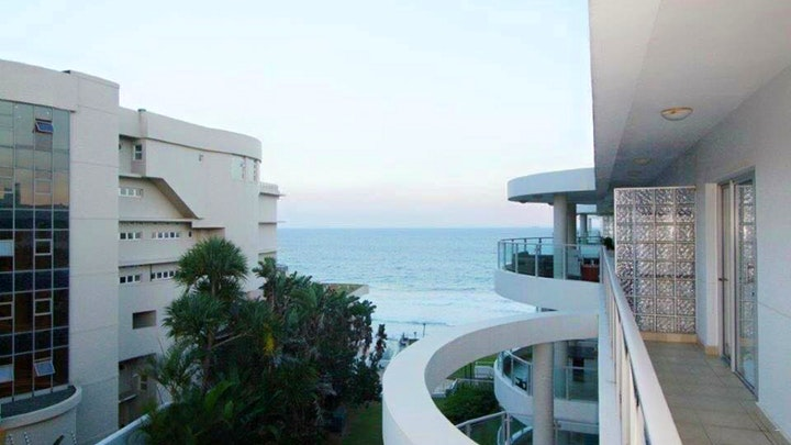 Willard's Beach Accommodation at Ocean View Penthouse | TravelGround