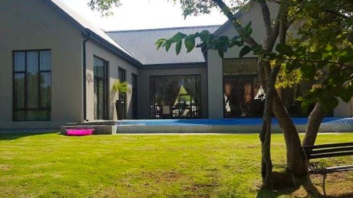 Parys Akkommodasie by 3000 Kingfisher Parys Golf en Country Estate | LekkeSlaap