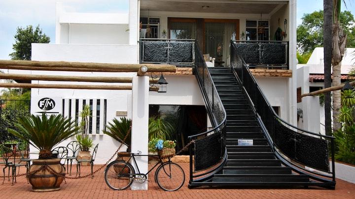 Newcastle Akkommodasie by Santorini Suites | LekkeSlaap