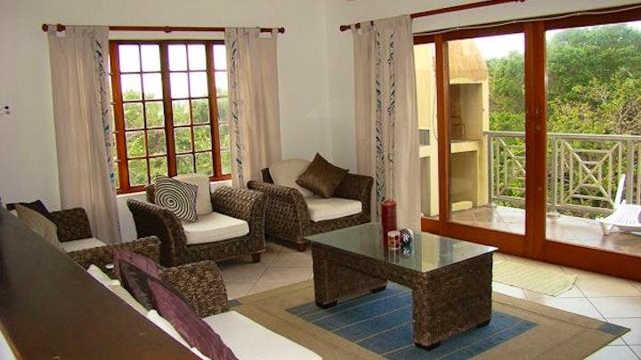 Leisure Bay Accommodation at Kidd's Beach Holiday Home | TravelGround