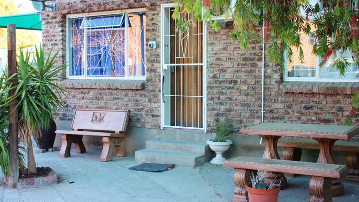 Beaufort West Accommodation at Central Holiday Overnight Flats | TravelGround