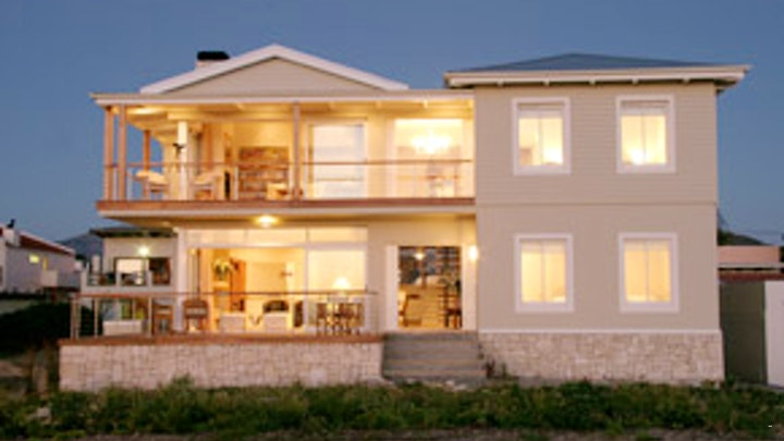 by 138 Marine Beachfront Guesthouse | LekkeSlaap