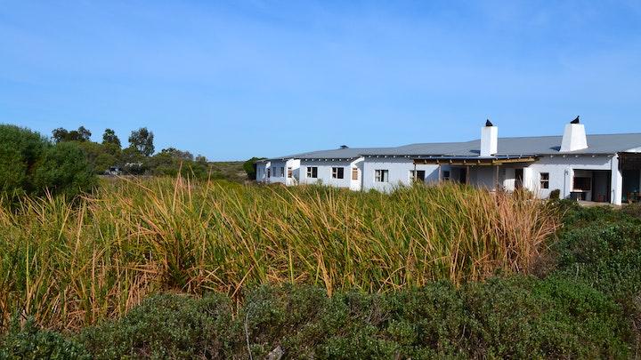 Yzerfontein Akkommodasie by Blombosch Lodge | LekkeSlaap