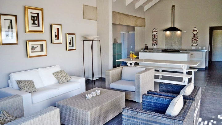 Britannia Bay Accommodation at White Sands Beach Side Holiday House   TravelGround