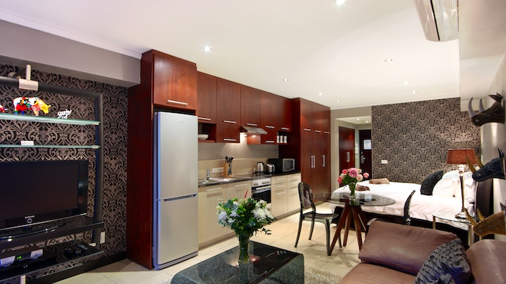Cape Town CBD Accommodation at Afribode Aeicon Suite   TravelGround