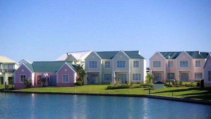 Marina Martinique Accommodation at Claptons 18 Jeffreysbaai | TravelGround