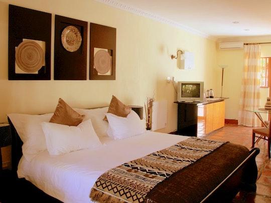 Stellenbosch Accommodation at Orange-Ville Lodge & Guesthouse | TravelGround