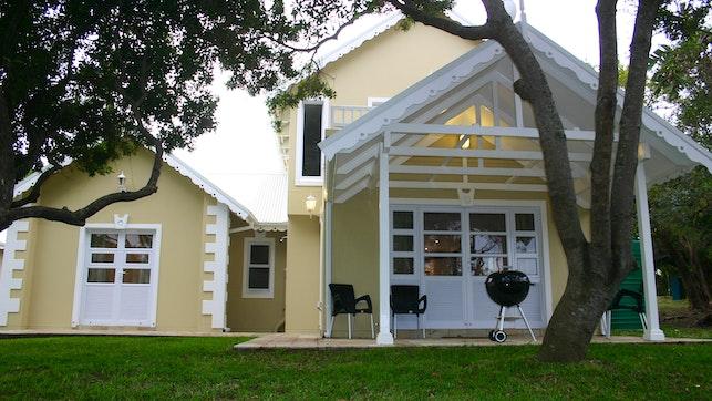 by Barbados 13, Caribbean Estate   LekkeSlaap