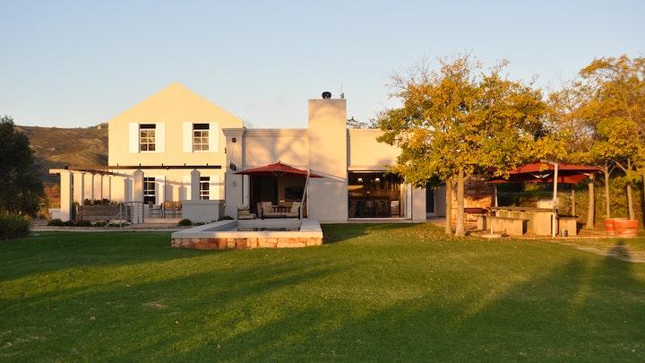 Grabouw Akkommodasie by South Hill Vineyards & Guest House | LekkeSlaap