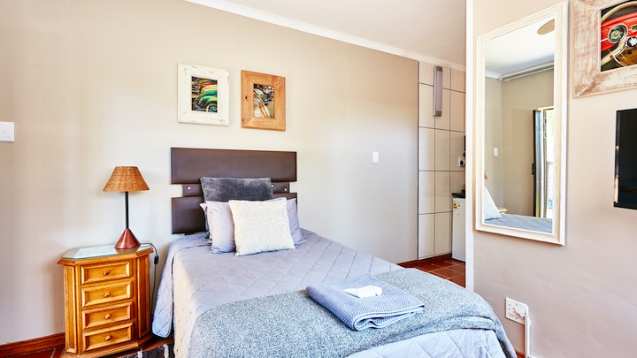 at 1202 on Cowgill Guest Room | TravelGround