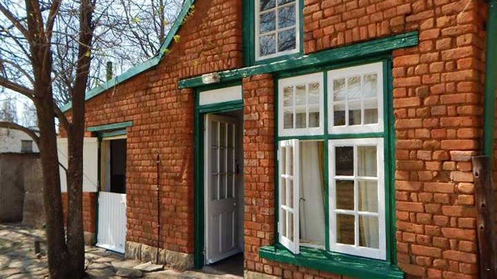 by Rhodes Cottages- Dooley's House | LekkeSlaap