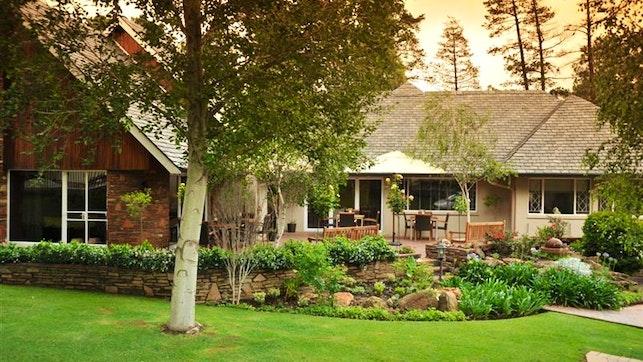 by Glendower View Guesthouse | LekkeSlaap