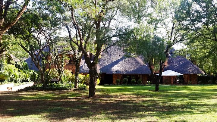 by Khaya Africa Guest Lodge | LekkeSlaap