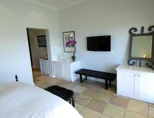 Queen Guestroom #3