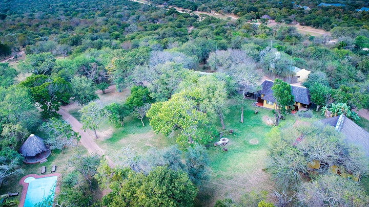 by Buffaloland Safaris - Giraffe Camp | LekkeSlaap