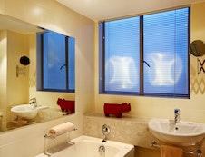 Alexander's 904 Bathroom