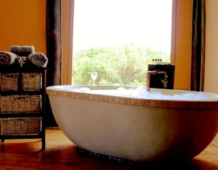 Bath at Bush Lodge